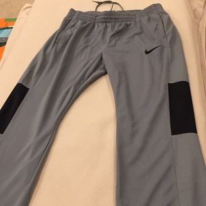 NWT Nike Womens basketball pants, size xl